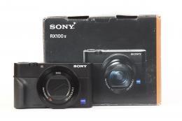 SONY RX100 M5...