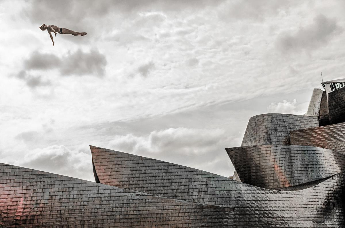 07/11/2018 - Ajuriaguerra Saiz Pedro Luis - Levitating At The Guggenheim