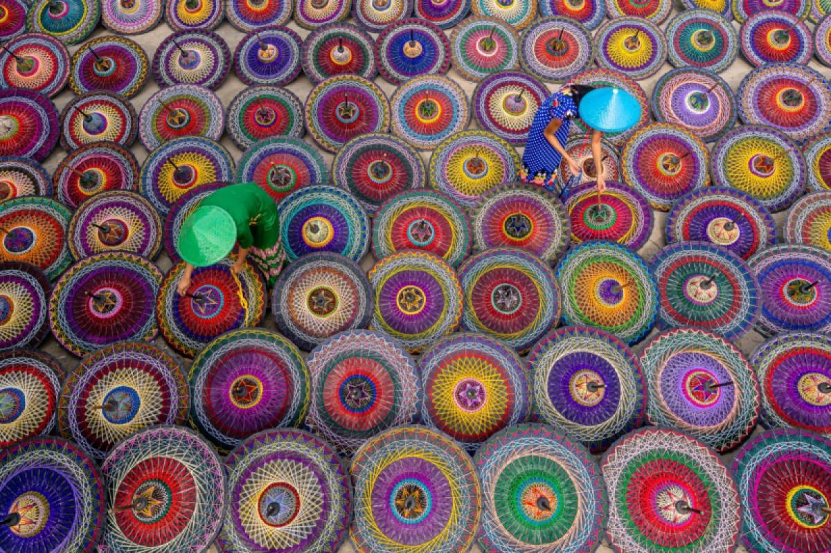 09/03/2020 - Win Tun Naing - Colourful Umbrellas