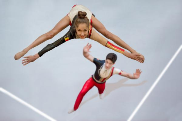 Eric Tkindt - Acrogymnaste In The Air